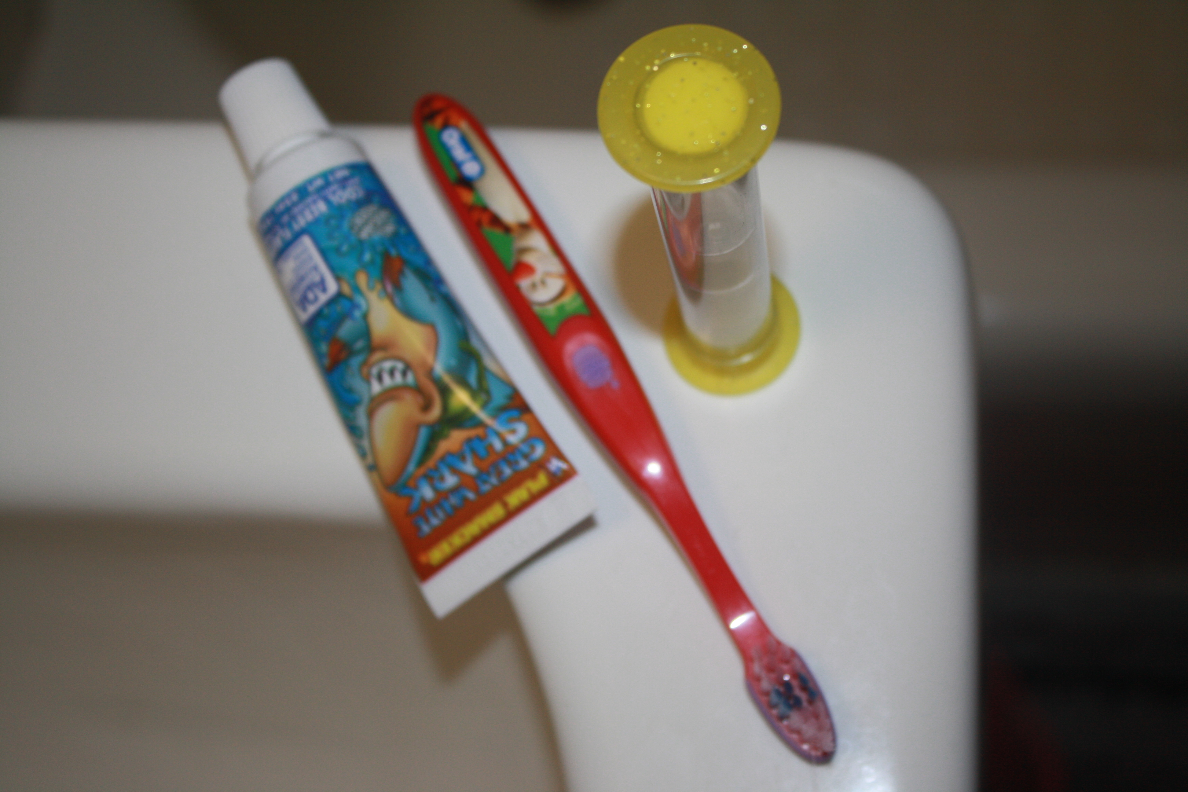 how to keep my teeth white and clean